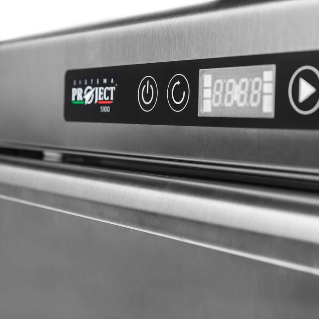 electroic display on a dishwasher made by sistema project italia